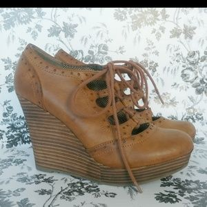 Restricted Shoes - Restricted Laura lace-up wedges